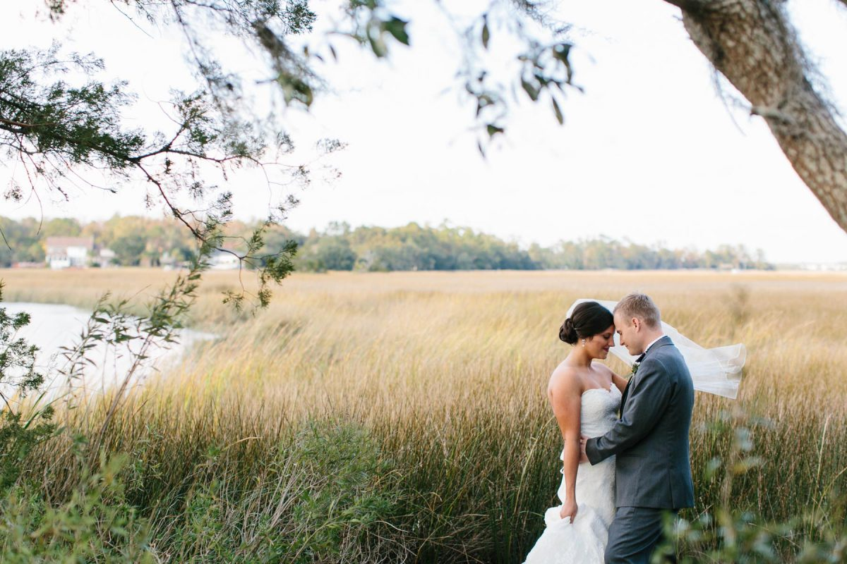 romantic wedding photo bride and groom Charleston