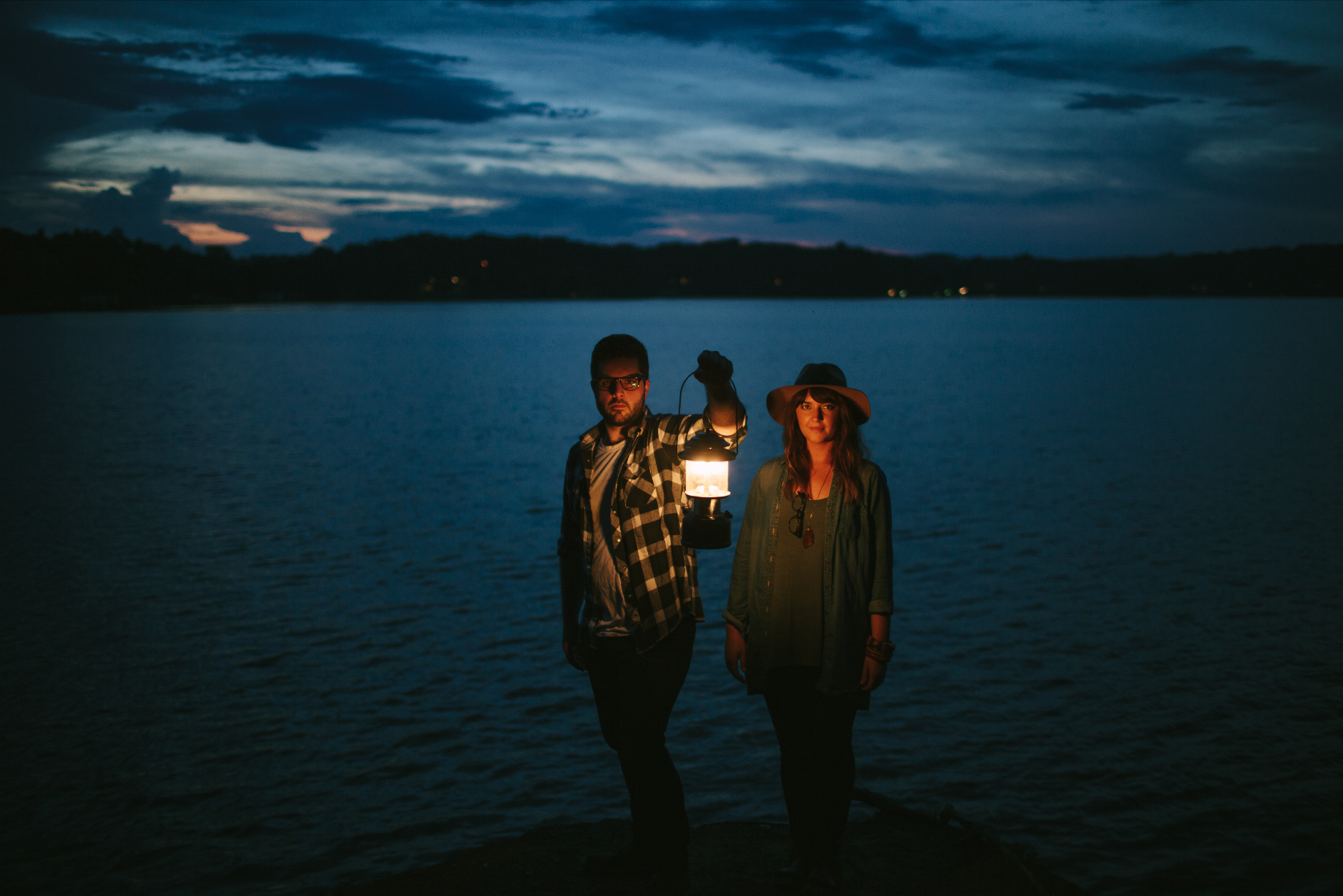adventure engagement photos Lake Lanier