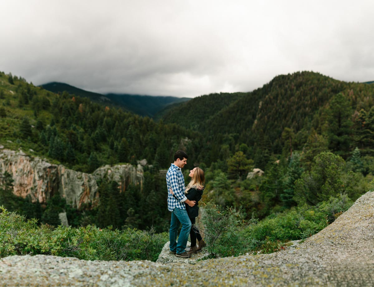 lauren-and-michael-colorado-adventure-engagement-session-1