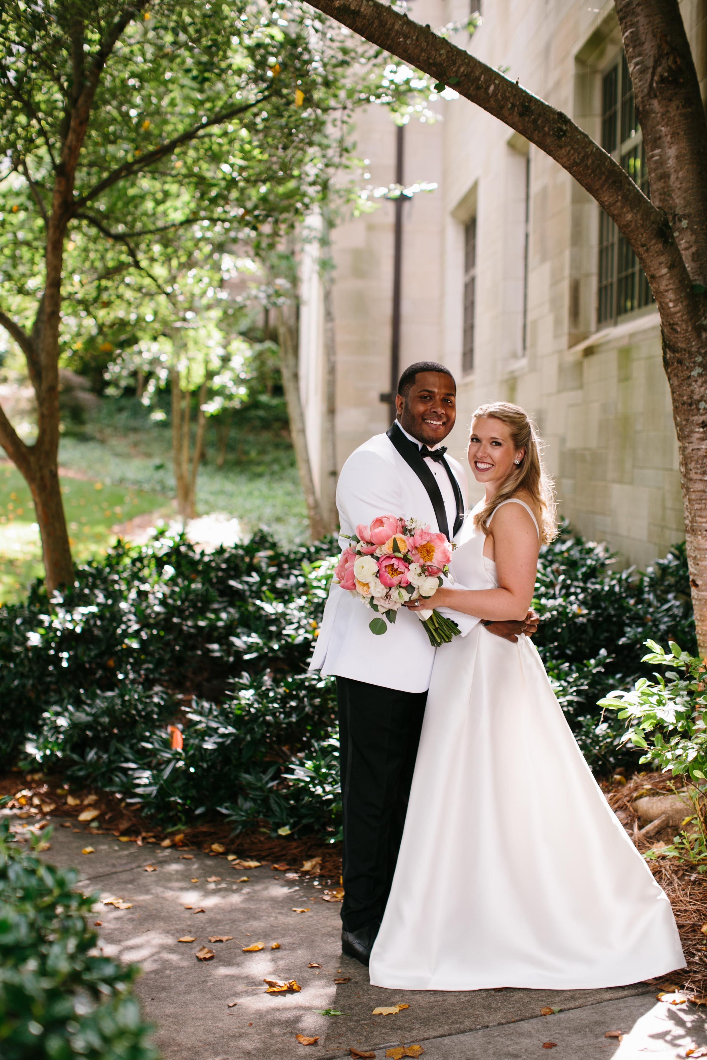 Reynolds Plantation Wedding at Sandy Creek Barn - OneNine ...